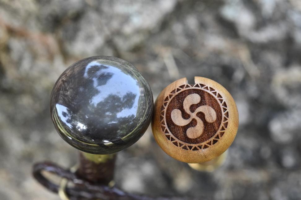 couteau-makila-gravure- croix-basque